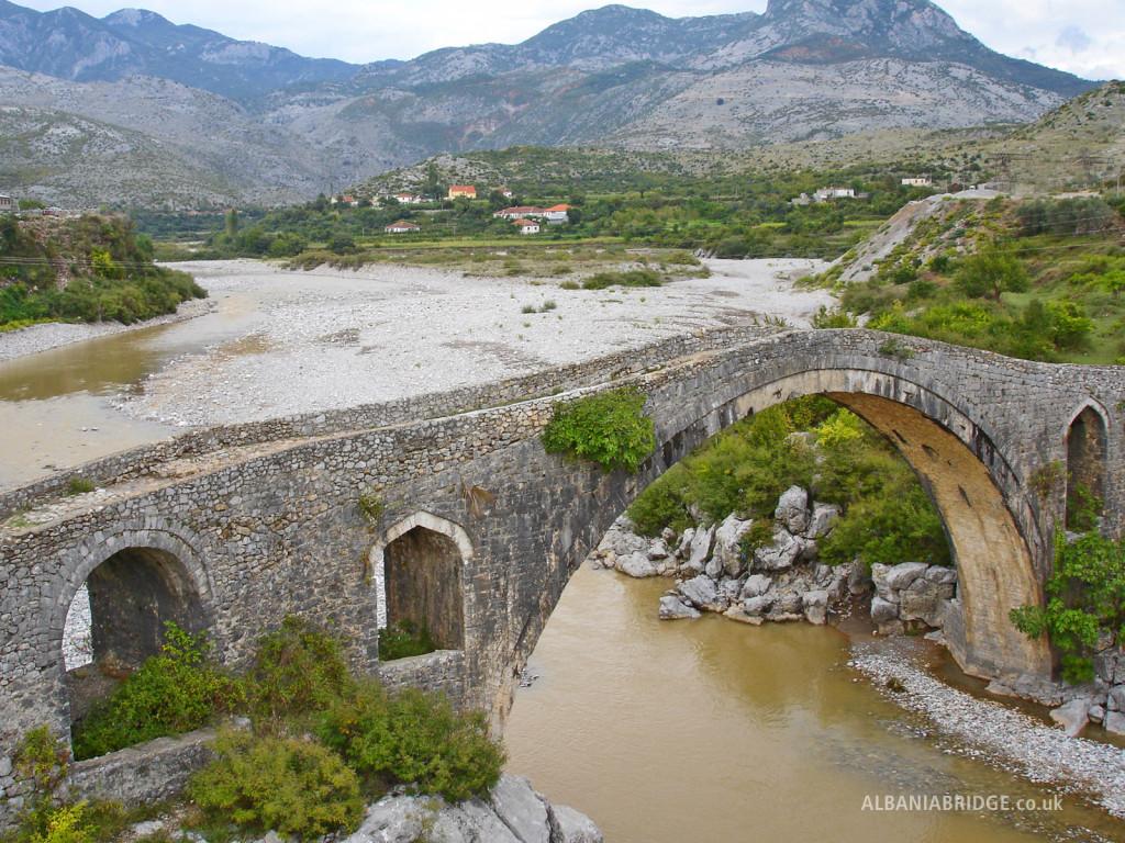 Шкодер, Албания, Старый мост
