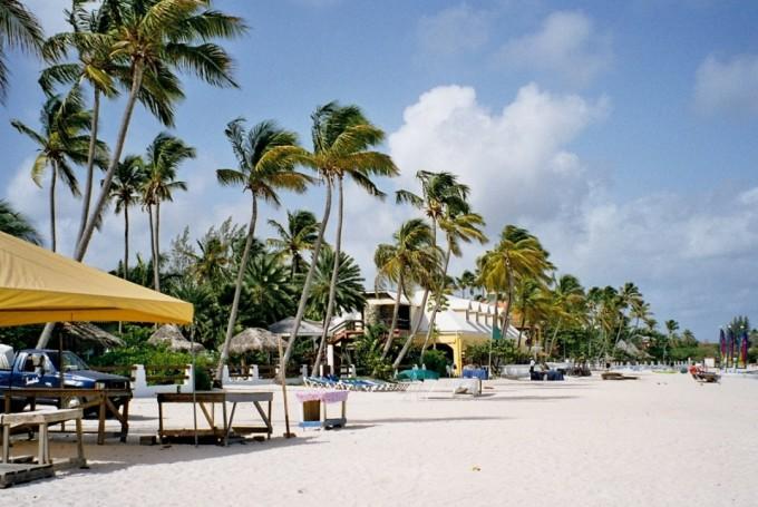 Климат Антигуа и Барбуда