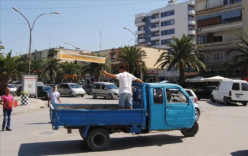Транспорт в Албании