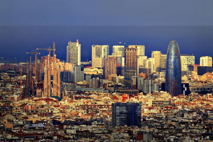 Cколько лететь до Барселоны из Москвы