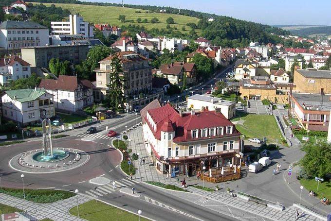 Отели Лугачовице