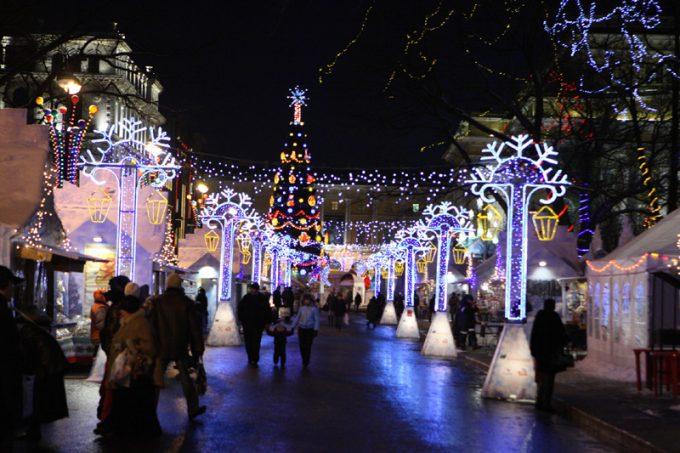 Новогодняя ярмарка на площади Островского