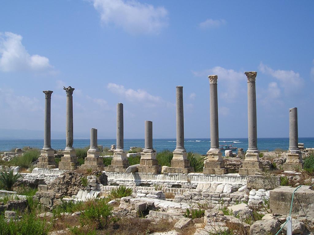 Ливан, развалины