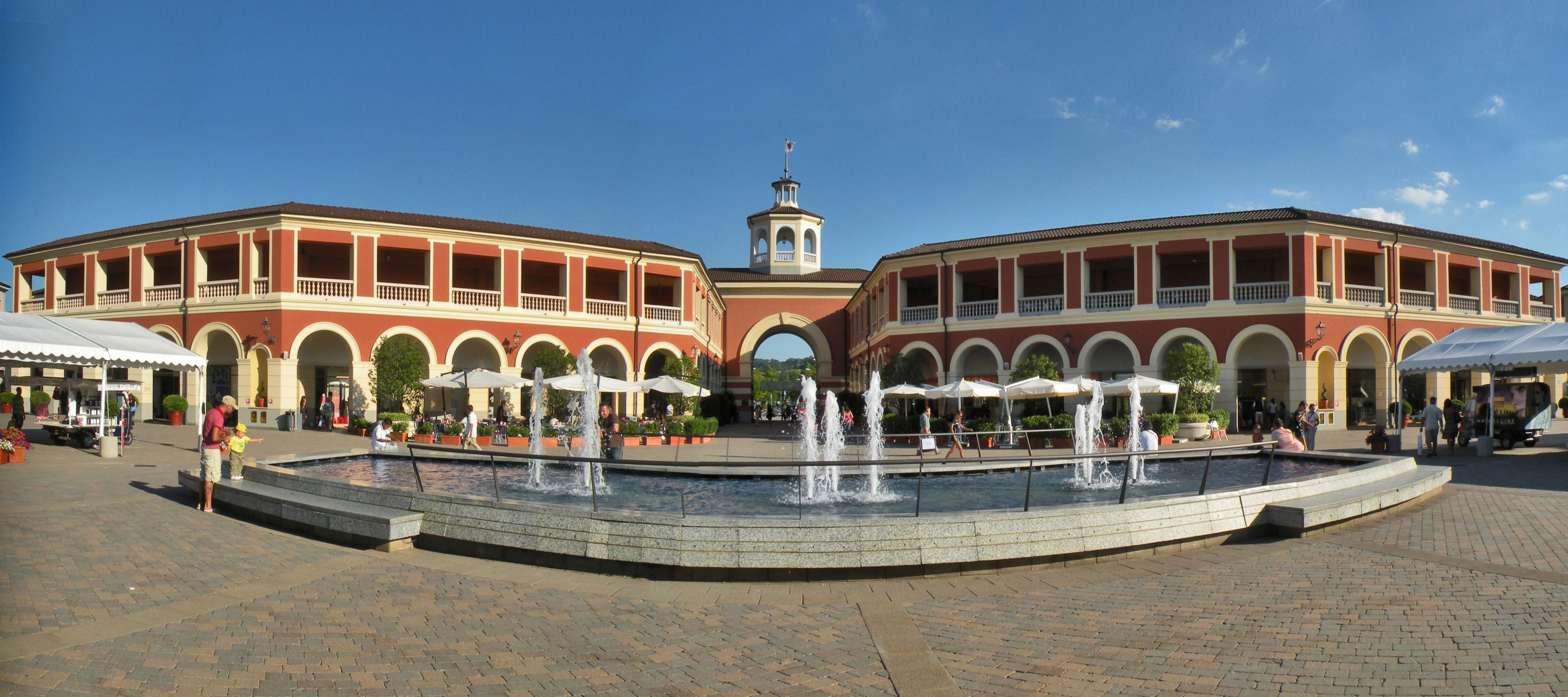 Serravalle designer outlet for Serravalle designer outlet