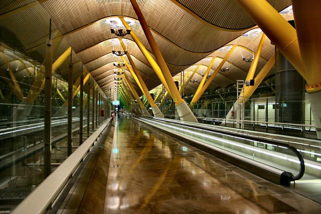 Дешевые авиабилеты в Мадрид из