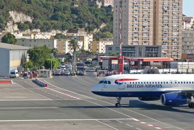 Дешевые авиабилеты в Гибралтар