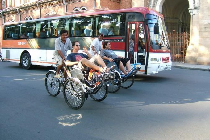 Общественный транспорт во Вьетнаме