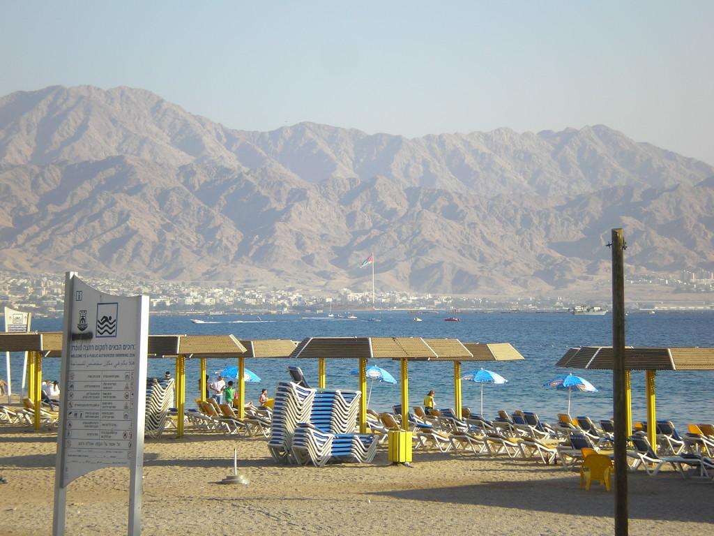 Эйлат, вид на иорданский берег