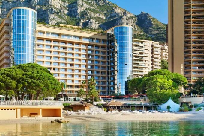 Отель Le Méridien Beach Plaza