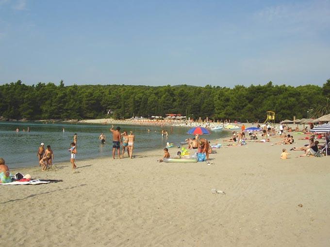 Пляж Plavi horizonti