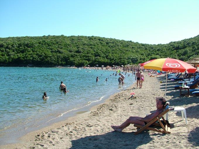 Пляж Яз, Будва