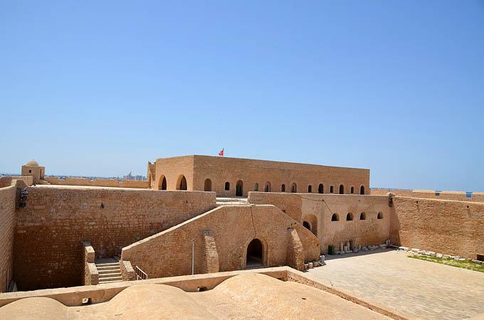 Крепость Бордж