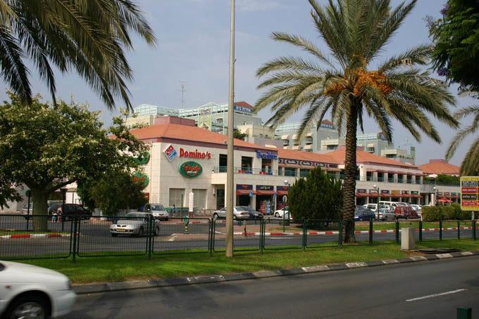 Отели Раананы